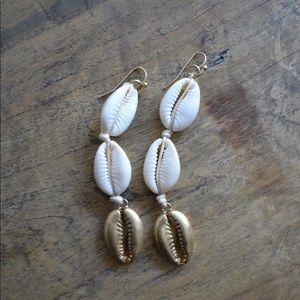 Free People gold puka shell earrings